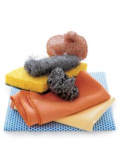 The best way to disinfect a sponge.
