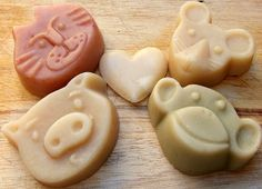 Animal Gift Box Cat Monkey Pig or Mouse 2 Soaps by SoapDragon, £7.69