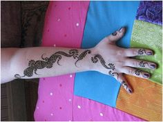 Special mehndi designs for kids 2017 with images http://www.fashioncluba.com/2017/02/easy-and-simple-mehndi-designs-for-kids-hands-collection.html