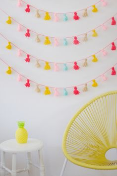 DIY Tassel Bunting Wimke shows us a great DIY Tassel Bunting that you can take with you and put up anywhere to instantly set the mood for a party. Great for the summer time! Perfect for a picnic (hang it...