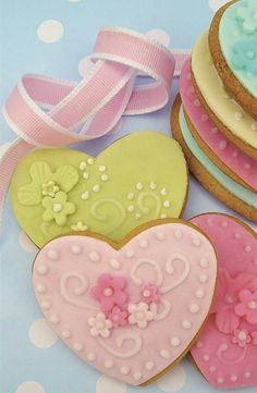 Heart cookies with floral design  <3
