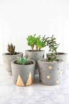 DIYer hand-molds cement into putty, shaping it into stunning decor for her home