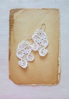 Ivory Lace Earrings  lace making, kantklossen, spitzen, klöppeln