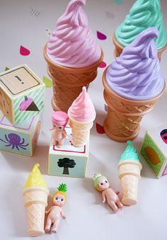 Ice cream cone coin banks and bubble wands, Sonny Angel dolls. Cottoli shop 大人の女性のためのガーリーなお洋服と雑貨をご紹介 / www.cottoli.jp のかわいいもの