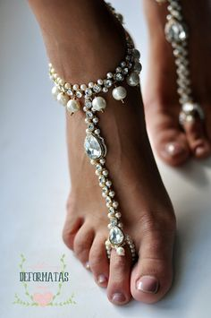❤A PAIR of Stylish, Sparkly Wedding Barefoot Sandals with Shimmer❤  Bold and beautiful,this gold footless sandals feature best quality faux pearls,
