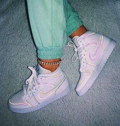 Jordan Shoes Girls, Girls Shoes, Cute Shoes For Teens, Cool Shoes For Women, Cute Girl Shoes, Cute Womens Shoes, Shoes Women, Cute Sneakers, Shoes Sneakers