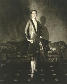 Photograph by Edward Steichen. Portrait of Mrs E. Cummings (Marion Morehouse) wearing a dress designed by Louise Chéruit. Published in American Vogue, Museum Number Edward Steichen, Vogue Fashion, Fashion Models, Fashion Shoot, Vogue Photographers, Alfred Stieglitz, Victoria, Thing 1, London