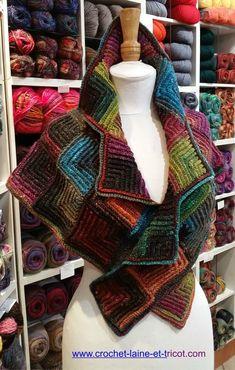 Bonjour à toutes, Voici un autre châle en crochet modulaire réalisé en NORO silk garden socks, il est en vente dans la boutique (cliquez sur la photo pour y acceder). Si vous souhaitez en faire réalis