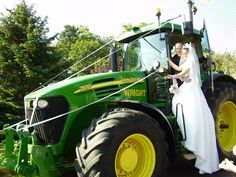 Country weddings would not be the same without the appearance of a bright green tractor