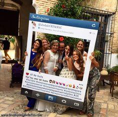 ¡Weeeeeeeeeeeeee! Y cuando llega la barra libre, se desata la locura y llegan los momentos más divertidos de la boda, por ejemplo en el fotocall.  ¿Que os parece el Instagram que diseñamos para la #bodaLOVE de C&M?  En LOVE somos especialistas en diseño y decoración de eventos, 100%original, 100%handmade, 100%divertidos y 100%personalizados.  ¿Quieres convertir tu boda en una #bodaLOVE? +info: hola@lovebodasyeventos.com  ¡Feliz tarde, Lovers!  Ali LOVE #yosoyLover #love #photooftheday…