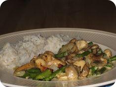 Op dit eetdagboek kookblog : Vandaag weer een gerecht uit de Actifry. Dit recept is gebaseerd op een recept uit het bijgeleverde kookboekje van Mathijs Vrieze maar dan iets aangepast w