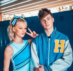 And it is that, Your happiness It provokes mine { } Loren Grau, Cute Celebrities, Celebs, Pretty Boys, Cute Girls, Blake Grey, Cheerleading Outfits, Friend Poses, Best Friend Photos