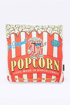Woouf Popcorn Cushion