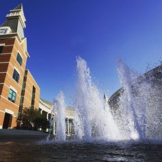 Running through the BSB fountain is definitely a Baylor tradition! Best time to try it is at the end of May, right after your last final!