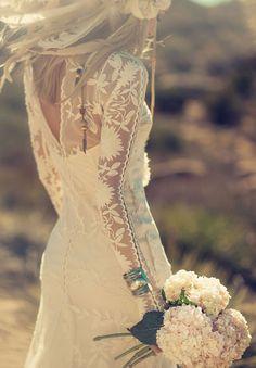 badass bride Rue de Seine Chloe Available in The Netherlands @wildatheartbridal