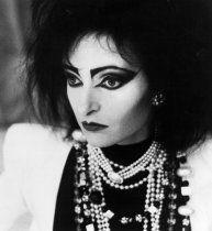Dressy Siouxsie