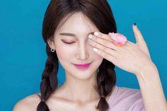 Korean makeup trends and products #EyeMakeupSmokey #KoreanMakeup #KoreanBeautyTips Korean Beauty Tips, Korean Makeup Tips, Korean Makeup Tutorials, Beauty Skin, Beauty Makeup, Korean Make Up, Korean Face, Smokey Eye Makeup, Makeup Trends