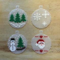 Billedresultat for hama mini perler christmas Perler Bead Templates, Diy Perler Beads, Perler Bead Art, Christmas Perler Beads, Beaded Christmas Ornaments, Clear Ornaments, Christmas Cross, Christmas Ideas, Christmas Decorations
