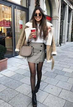 7 winter looks with skirt + tips for wearing on cold days - Winter Street Style - Mode - 7 winter looks with skirt tips for wearing on cold days Winter Street Style winter looks wit - Winter Fashion Outfits, Winter Outfits For Work, Fall Outfits, Autumn Fashion, Casual Outfits, Winter Outfits With Skirts, Cold Day Outfits, Travel Outfits, Fashionable Outfits