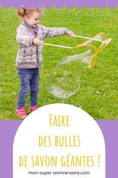 Découvre nos astuces pour réussir à faire facilement des bulles de savon géantes pour l'émerveillement des petits et des grands ! Limbo, Parfait, Giant Bubbles, Good Mood, How To Make, Soap, Birthday, Gaming