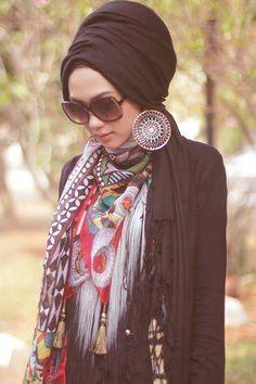 black turban, Turban fashion in many looks http://www.justtrendygirls.com/turban-fashion-in-many-looks/