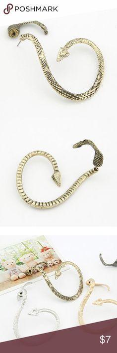 Bronze Snake Earcuff Brand new alloy earcuff. 1 piece. Piercing necessary. Jewelry Earrings