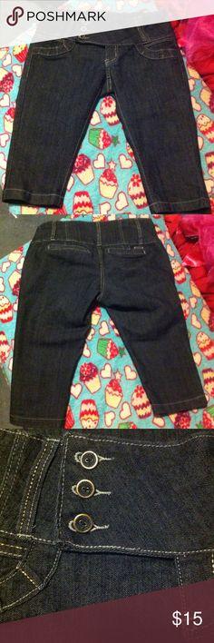 Capris size 11 Capris size 11 new never wore Pants Capris