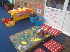 Fire station role play / construction area Year 1 Classroom, Early Years Classroom, Pizza Role Play, Reading Den, People Who Help Us, Role Play Areas, Creative Area, Construction Area, Block Play