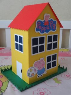 Resultado de imagen para casa de peppa Peppa Pig Birthday Decorations, Pig Birthday Cakes, 2nd Birthday, Peppa Pig Party Ideas, Peppa Pig House, Cumple Peppa Pig, Lorie, Pigs, Ideas Para Fiestas