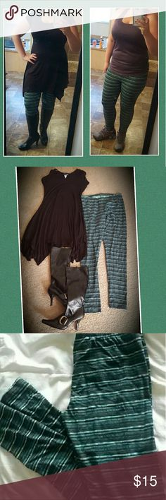 Mossimo Striped Leggings Teal Blue Green Yoga Pant Mossimo leggings, size large, in excellent used condition. Dress them up with tall boots and a tunic or Dress shirt or wear them to the gym!! They are VERY comfortable!   Smoke free home. I will gladly bundle items to give you a discount (the more you buy, the cheaper I can let everything go!). Many items can be added on for only $1. Mossimo Supply Co Pants Leggings