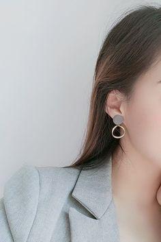 #etsy #jewelry #earrings #RhinestoneClipOnEarrings #minimalist #nonpierced #nopiercing #Accessories #metalallergy #cliponearrings #clipearrings #invisiblecliponearrings #metalfreeearrings #hypoallergenic #pretty #cliponstudearrings #comfortablecliponearrings #fashion #style #MiyabiGrace #bridalclipearrings #prom #HoopClipOnEarrings #Goldcliponearrings Clip On Earrings, Dangle Earrings, Grey Plates, Gold Hoops, Ear Piercings, Dangles, Etsy Jewelry, Minimalist, Prom