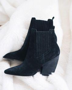 Who can resist black booties?! The perfect staple! #kendallandKylie #winnersfabfinds #blackbooties