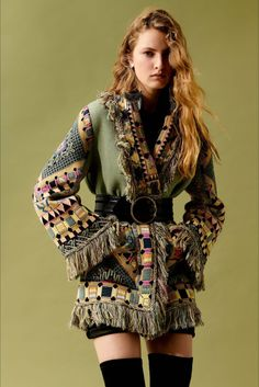 Etro Resort 2020 Fashion Show Collection: See the complete Etro Resort 2020 collection. Look 39 Fashion 2020, Runway Fashion, Boho Fashion, High Fashion, Fashion Show, Fashion Outfits, Womens Fashion, Fashion Design, Fashion Trends