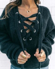 (Pull H&M - photo Collage Vintage) Mode Outfits, Fashion Outfits, Womens Fashion, Ootd Fashion, Woman Outfits, Teen Fashion, Mode Ootd, Mode Shoes, Inspiration Mode