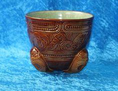 Super Rare NEW Zealand Pottery Crown Lynn Wharetana Maori Conical Vase C 1950 Kiwiana, Ceramic Art, New Zealand, Sticker, Collections, Pottery, Crown, Vase, Culture