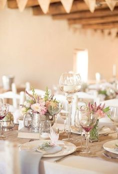 Spring weddings are so dreamy, inspiring and beautiful! After a long and cold winter it's so amazing to dive into this sunlight, birds' songs and enjoy the blossoms! Spring is a tender time, so delicate and soft colors are welcome for décor...
