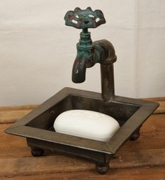 New PriMiTiVe Country Bathroom Kitchen Rusty OLD FAUCET SOAP DISH Spigot Holder