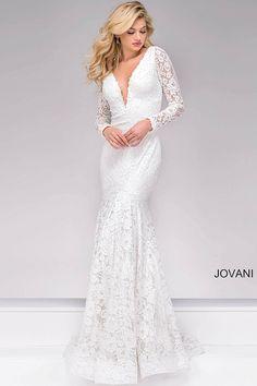 She said yes! #JOVANI #50026