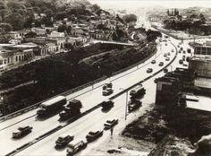 Avda Sucre, Caracas (1949) A la izquierda esta Caño Amarillo y sobre la Quebrada Agua Salud pasa hoy dia El Metro de Caracas