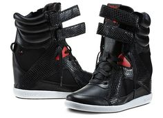 e93525c5594729 Alicia Keys shoe line with Reebok. thestylishmd.com