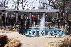 Meditation Garden em Graceland                                                                                                                                                                                 Mais