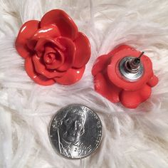 20% Off Bundles❗️Coral Rose Earrings These are so beautiful! They've never been worn because I keep forgetting I have them.  The rose itself is about the size of a quarter.  ✅ Bundle and save on shipping! ✅ All reasonable offers are considered.  ✅ I always ship right away.  ❌ PayPal ❌ Trades ❌ Lowballing Boutique Jewelry Earrings