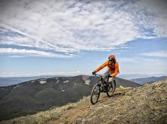 Plan a long weekend escape with local advice on where to hike, bike, paddle, ski, stay, and eat. Featuring top adventure towns in the U.S.