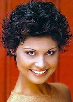 nice Hairstyles for Curly Short Hair. Short Curly Cuts, Short Curly Haircuts, Popular Short Hairstyles, Short Curls, Girl Short Hair, Nice Hairstyles, Hairstyles Pictures, Pixie Haircuts, Short Pixie