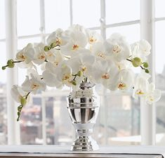 White Phalaenopsis Orchid Bouquet: simple, gorgeous, beautiful! Love it!