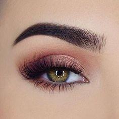 Peachy eye makeup