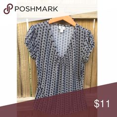 Comfy Work Casual Shirt Super comfy & stretchy black & white shirt. Worthington Tops Blouses