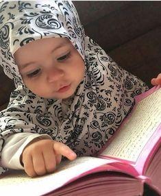 Laylatul Qadr (the night of Qadr) in Ramadan. What is Lailatul Qadr in Islam?Why is Ramadan so important? What is the meaning of Qadar? Why is the night of Ramadan so important? Cute Little Baby, Little Babies, Baby Love, Cute Babies Photography, Children Photography, Baby Hijab, Cute Baby Girl Pictures, Islam For Kids, Jolie Photo