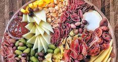 Değişik tarzlarda peynir tabaklarına fotoğraflı örnekler Dairy, Cheese, Food, Eten, Meals, Diet
