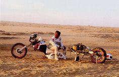 Questa foto, che ritrae PM Poli, sintetizza perfettamente la genialità del progetto Ecureuil 1989. Per favorire la manutenzione la moto, svitando poche viti, si separava letteralmente in due parti, favorendo la manutenzione.